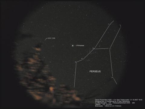 Der Komet Holmes im Sternbild des Perseus